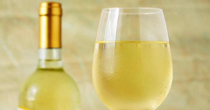 ไวน์ขาวกินกับอะไรดี ที่เข้าขากันสุดๆ ที่นี่มีคำตอบ!!